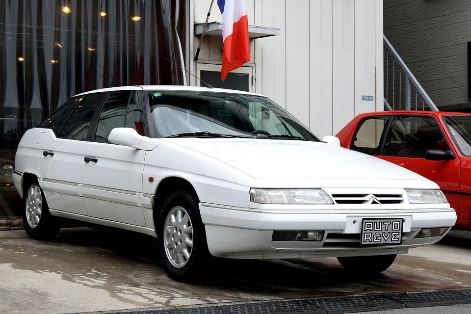 1999(平成11)年式シトロエンXMエクスクルーシブ!いわゆる24Vと呼ばれる最後期モデル!左ハンドル車ではありますが、弱点のセルフセンタリング機構も無し!