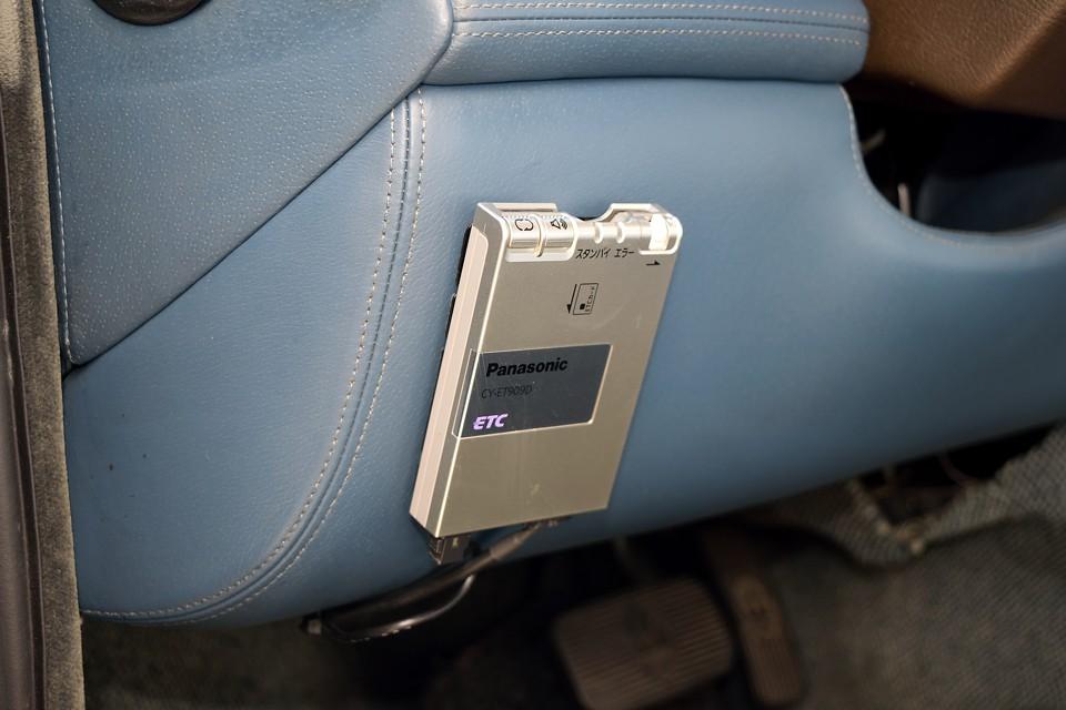 もちろんETCも装備です。Panasonic製のアンテナ分離、音声案内タイプです。