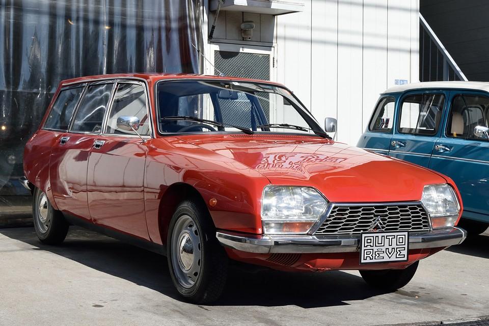 1972(昭和47)年式 シトロエンGSブレーク!希少な最初期型1015ccエンジンのブレーク!ハイドロニューマチック史上、最少排気量の軽快な乗り心地は、同時代のフラッグシップモデルDSとは、似て非なるGSワールドなのです!