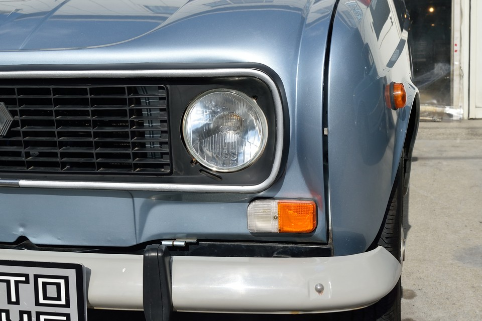 ヘッドライト、ウインカーもクリア~!ご希望でしたらイエローバルブへの交換はサービスさせていただきま~す!