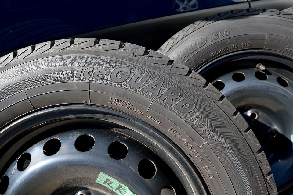 しかも、タイヤは、安心の国産タイヤ!横浜タイヤ製のiceGUARDです!