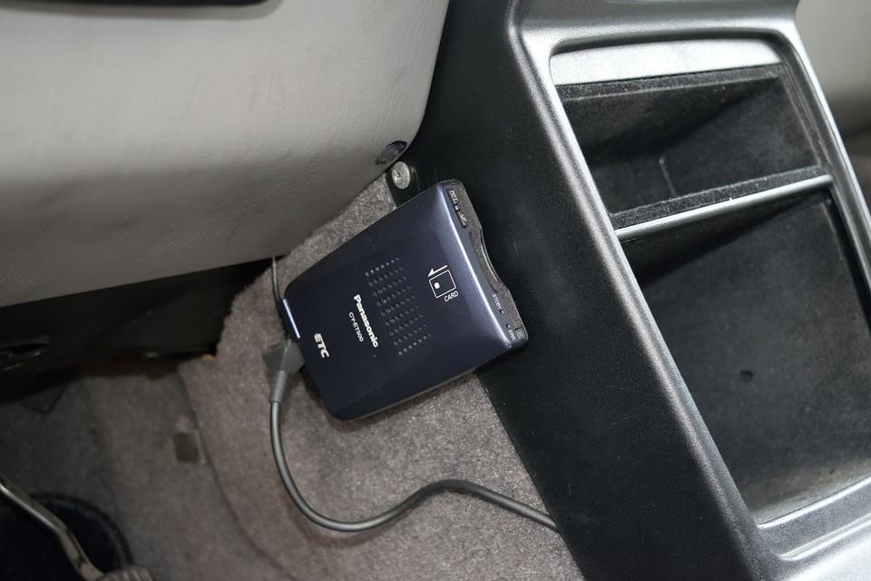もちろんETCも装備。左ハンドル車にはもはや必須なのです!