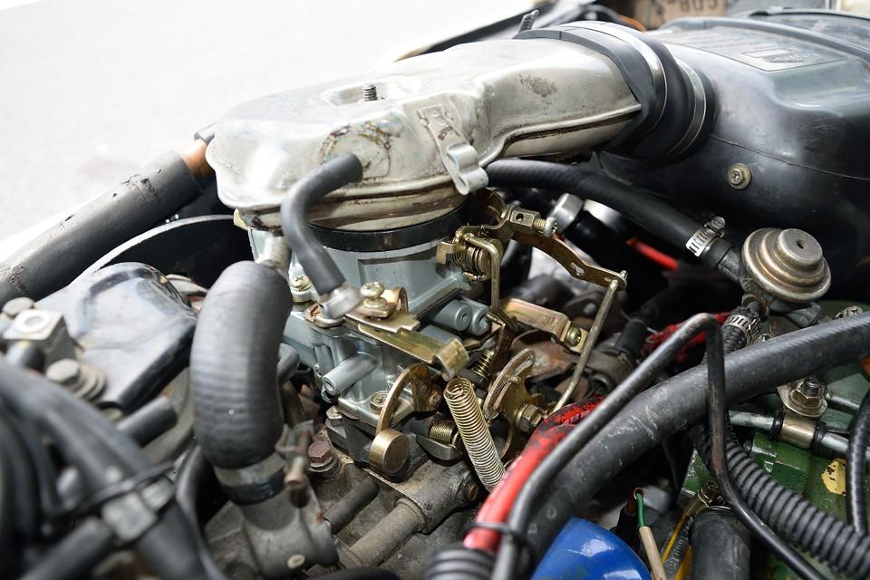ディーラー車は日立製キャブがオリジナルですが、今となっては逆に悩みのタネに・・・なので、キャブは換装済!GSAにはあるまじき?!安定のセル1発始動なのです!