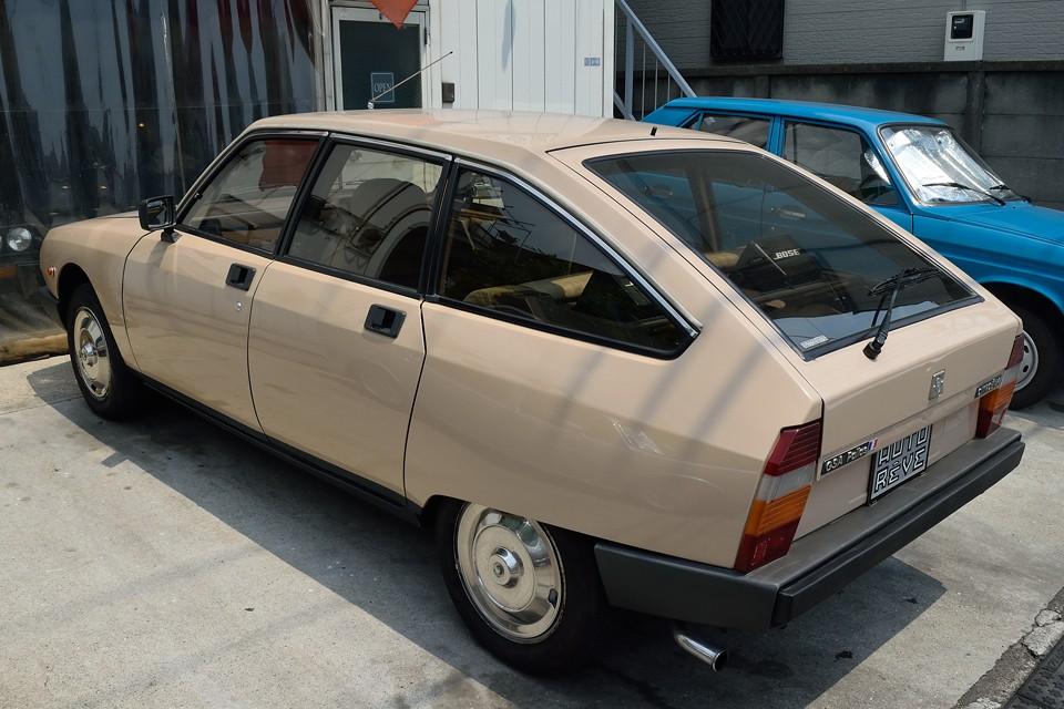 ボディデザインはもちろん、『大衆車にこそ革新を!』と言わんばかりのハイドロサスペンションやインテリアデザイン・・・。