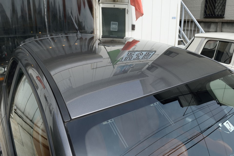 もちろんルーフもツヤッツヤ!洗車時の水玉コロコロが気持ち良いのです!