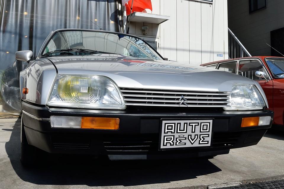 正規モデルでは味わえない、まさにフランス車の「ツボ」を押さえたドライビングプレジャー溢れる、目からウロコのCXなのです!