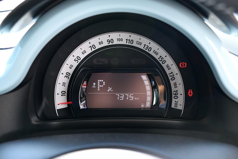 実走行7,000km!ご成約いただきましたら保証継承手続きを行いますので、平成31年11月、または走行60,000kmのどちらか早い方まで、ディーラー保証が付きます!ご安心いただけますよね。