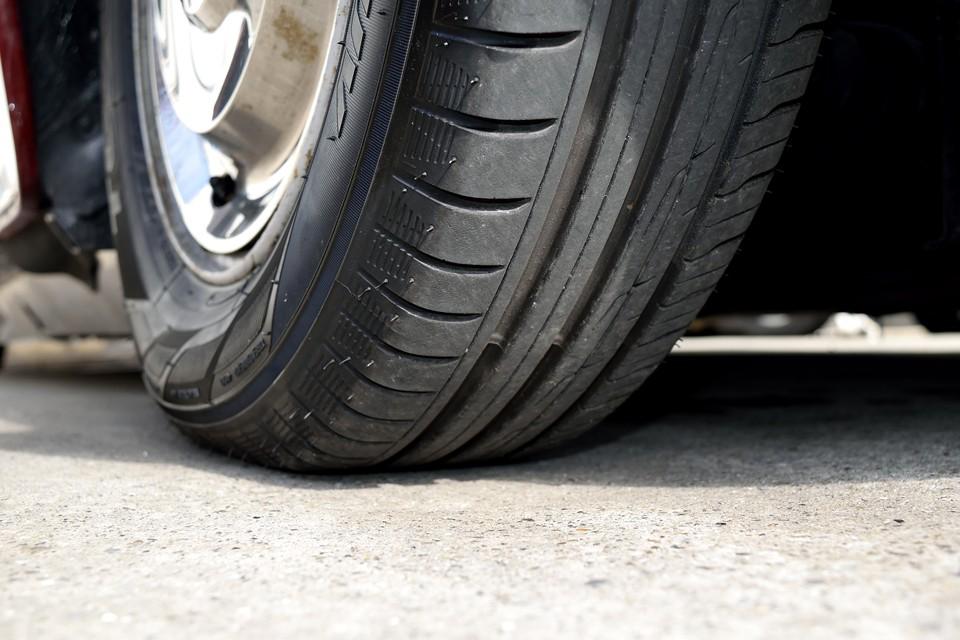 タイヤ残山はご覧の通りタップリ!8分山というところでしょうか。当分交換の必要はありません。