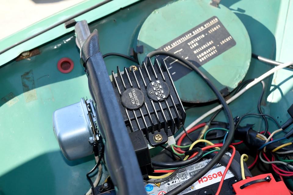 点火系は旧車の改善では定番!安心、安定のフルトラ化!オリジナル志向ももちろん良いですが、現代で楽しもうと思ったら、こういった改善策も有りかと!