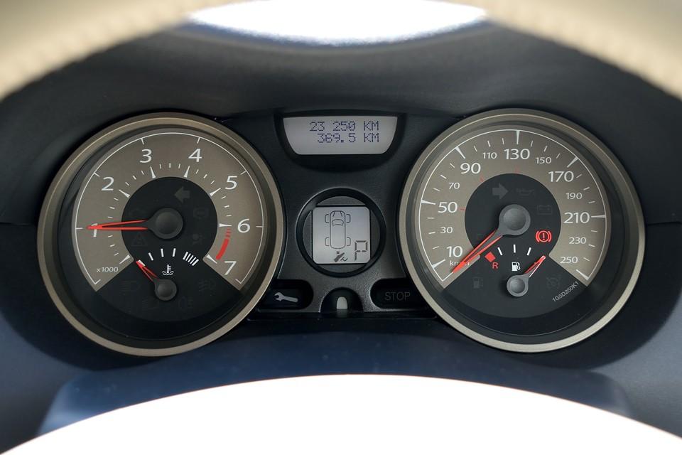 実走行2.3万km!走行少ないですが、それなりに年数は経過しているので気になるタイミングベルトですが、ご安心ください!平成29年22,264km時にTベルト、Wポンプともに交換済!