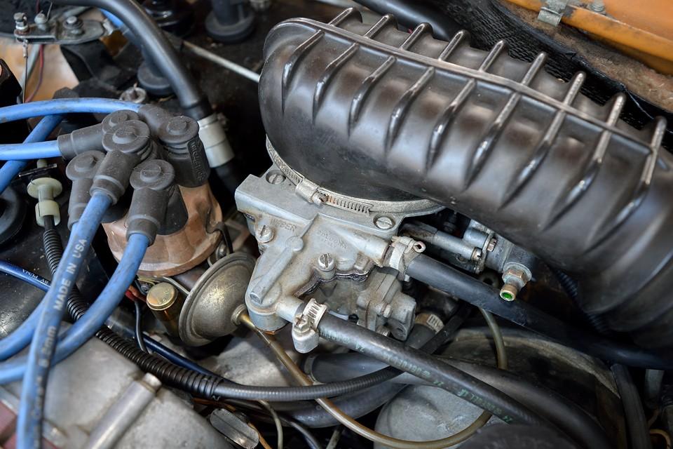 直列4気筒OHV、1565 cc、最大出力84PS (62 kW)/ 5750 rpm、最大トルク12 kgm(118Nm)/3500 rpmを発生!数値以上に力を感じさせるルノー伝統のトルク型エンジンは、現代でも十分通用する走行性能なのです!