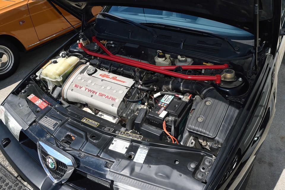 直列4気筒DOHC16バルブ1969cc 最高出力150ps/6200rpm 最大トルク19.0kg・m/4000rpmと、数値では目立つほどのものではないのですが・・・。