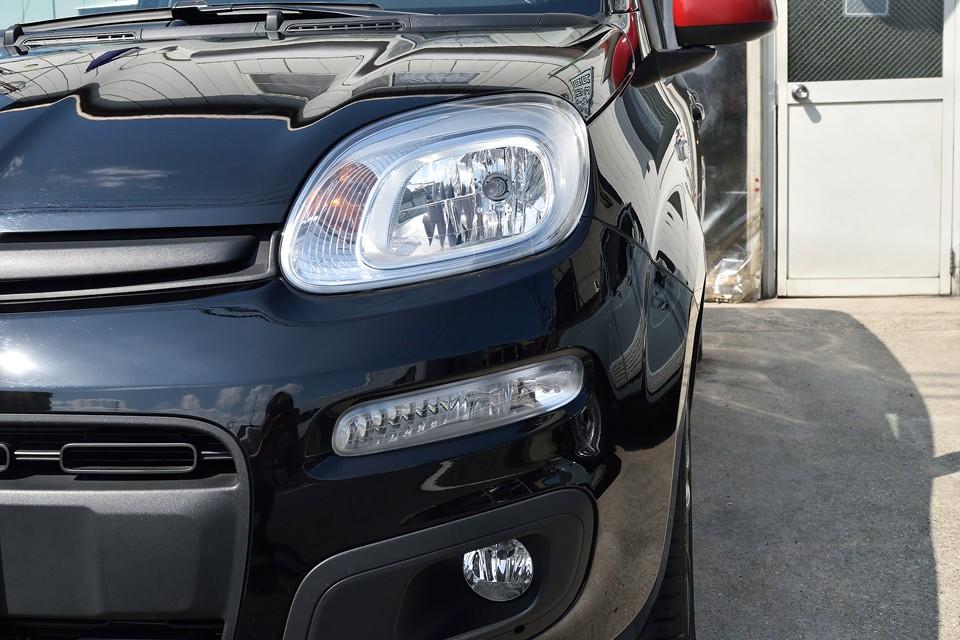 上段から、ヘッドライト&ウインカー、デイライト、フォグランプ、いずれも曇りは無く、とってもクリア~!ちなみに最近の欧州車に多いデイライトはエンジン始動時は常に点灯し、消灯は出来ませんので念のため。