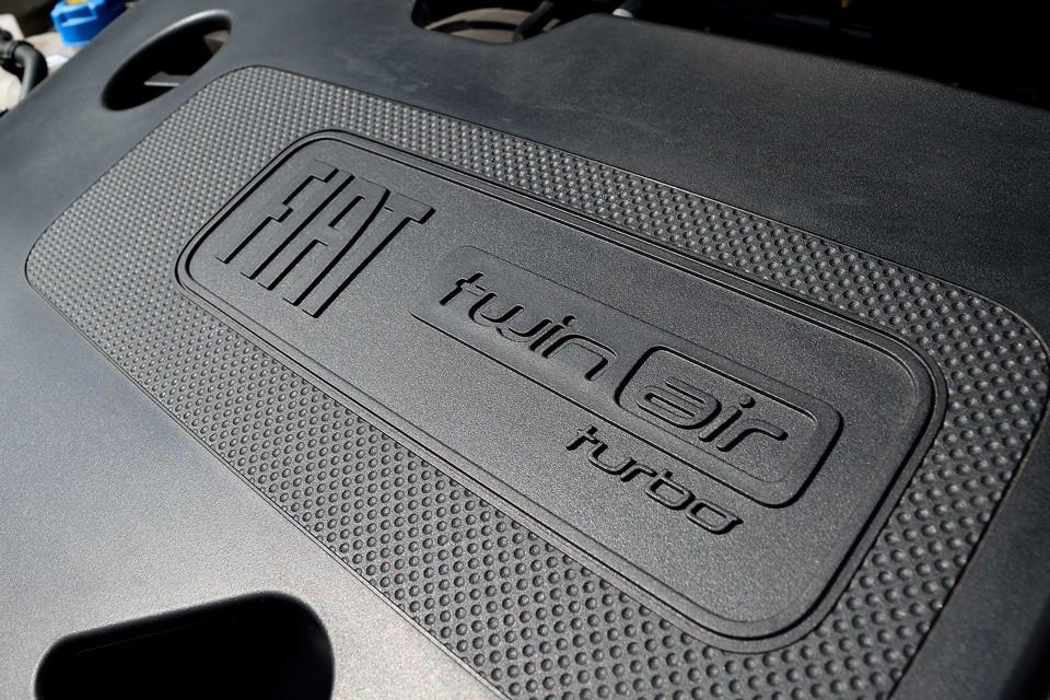 それでいて、JC08モード燃費18.4km/リットルと省燃費なんですから、これはもう既にフィアットが誇る「名器」と言ってよいのではないかと!