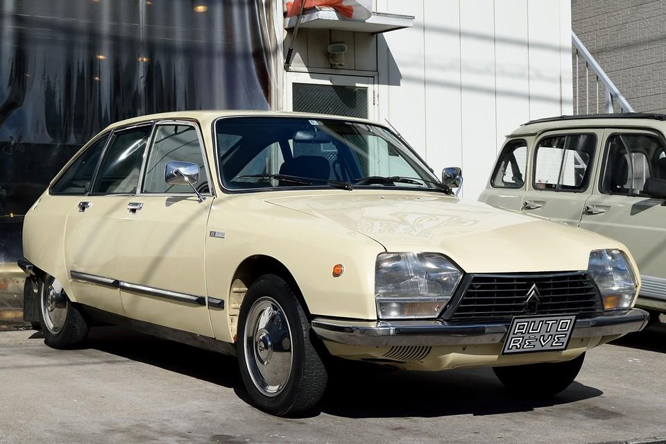 1978(昭和53)年式 シトロエンGS1220パラス!ハイドロ車の中で最も小さいGS!このサイズで、あの乗り心地!清潔感のある落ち着いた印象のベージュと相まって、これはもはや「小さな高級車!」
