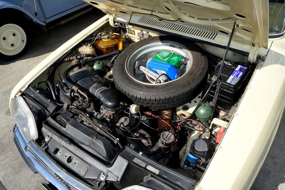 空冷水平対向4気筒1220ccエンジン。上からはエンジンブロックが見えないほど低い位置に搭載されていますので、かなりの低重心!だからこその安定した走り!