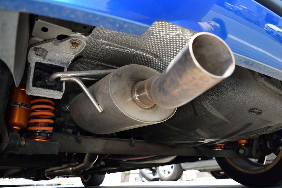スペシャルショップ製のエキゾースト音はピカイチ!エンジンスタートと同時に、非日常、アドレナリンワールドのスタートなのです!