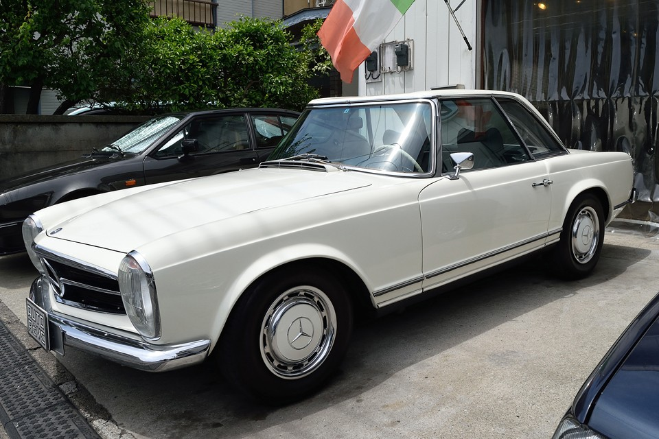 フルレストア車=良いものというのは、機関的にはそうだと思いますが、クルマとして見た時は必ずしもそうとは言えないと思うのです。むしろ・・・。