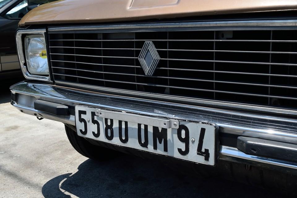 フランスナンバーは末尾2桁が地域を表すのですが、「94」はヴァル=ド=マルヌ県というパリ南東部に接する地域のナンバー。日本で言えば、さしずめ「横浜」ナンバーというところでしょうか。