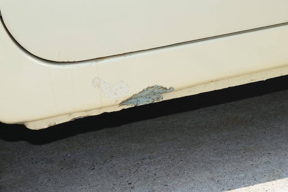 前述の補修塗装跡がこれです。未塗装の部分はタッチアップ補修しておきますのでご安心を。