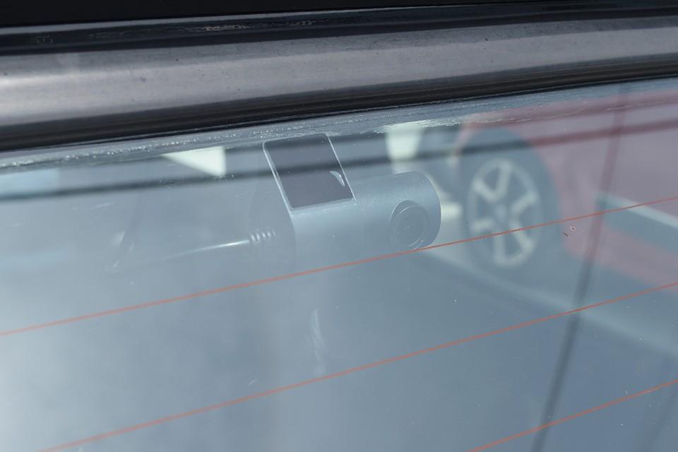 後方カメラは付いているだけで煽り運転防止効果あり!もちろん被害にあったとしても、バッチリ記録するので安心ですよね!