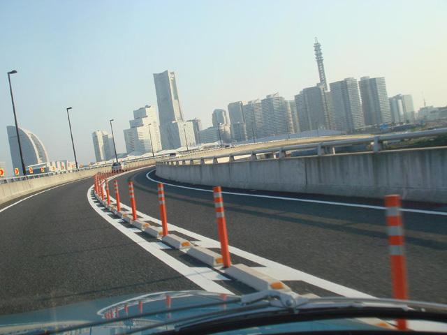 M姉:「あっ、横浜だよ!」 N子はん:「これは、もしかするともしかするんじゃない!」 ←だから、もしかしませんってば!