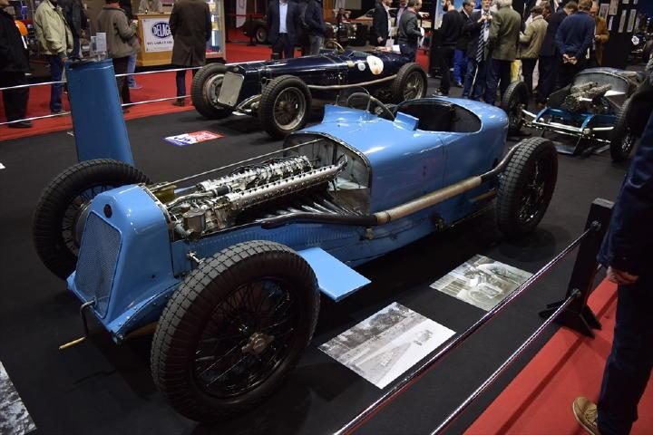 なんと直8エンジンを搭載したDELAGE!1927年製だそうです。・・・う~ん、エキゾーストサウンド聴いてみた~い!