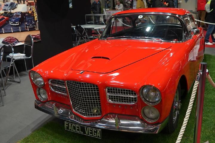 最後の贅沢なフランス車と言えるFACEL VEGA。こういうの、もう出て来ないんでしょうかねぇ。
