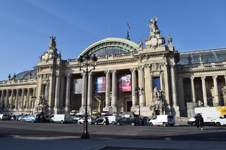 世界中のアーチストが出展するアート展に相応しい、素晴らしい会場!