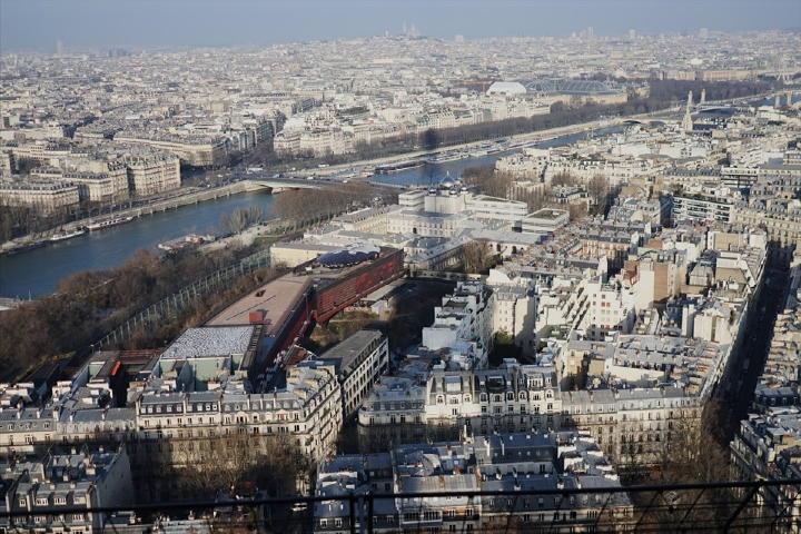 超高層ビルとかが無いので、パリ市内を一望出来る素晴らしい眺め!