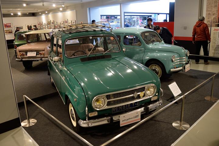 そしてお馴染みのルノー4。フランス車はどうしてこうカラフルなカラーが似合うんでしょうねぇ。POPなカラーでキャトルの魅力も大幅にUP!